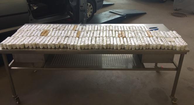 Näin huumausaineeksi luokiteltavia lääkepillereitä salakuljetettiin Suomeen – kuvat