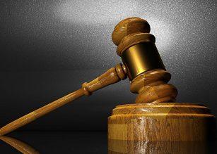 Raiskaaja tuomiolla, ilmoitti itse teostaan poliisille