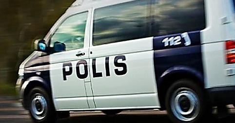 Mopoilevat nuoret ryöstivät pizzerian Karjaalla – poliisi pyytää vihjeitä